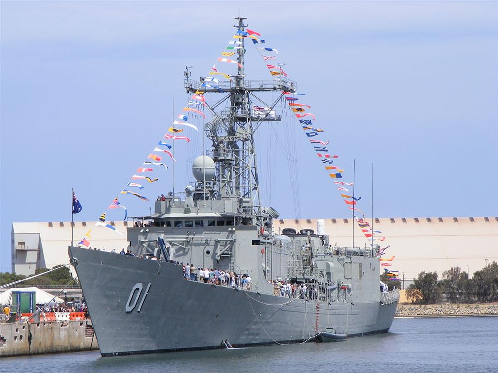 ex hMAS Adelaide docked at Port Adelaide for an open day in 2007
